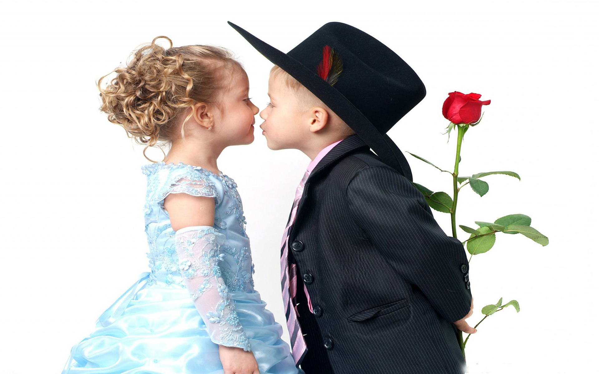 Loving Boy And Girl Hd Wallpapers Nice Looking Beautiful Baby Couple Kissing Wallpapers13 Com
