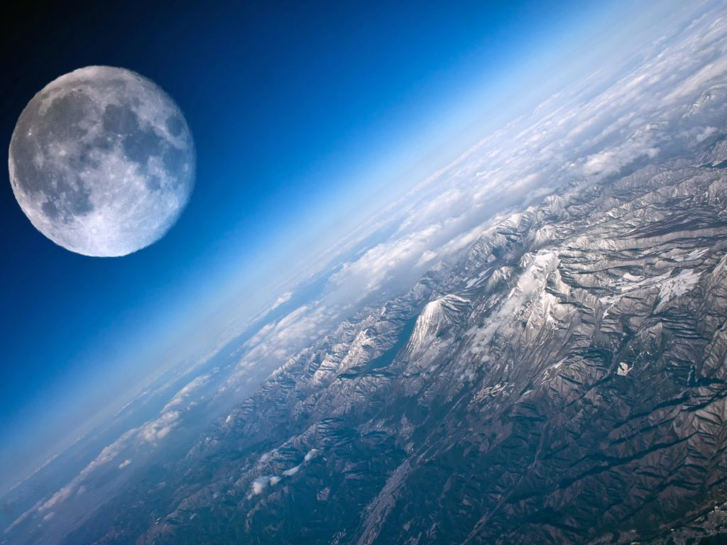 Iphone Wallpaper Cloud Moon And Earth Close Up 2560x1600 Wallpapers13 Com