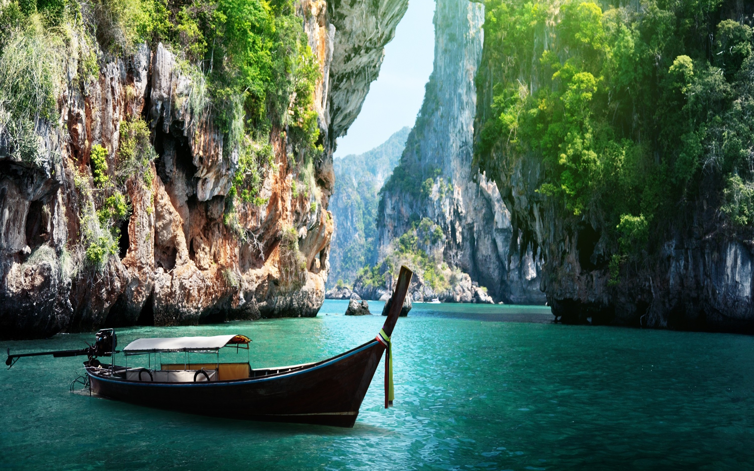 Wipeout Hd Wallpaper Long Boat And Rocks On Railay Beach In Krabi Thailand