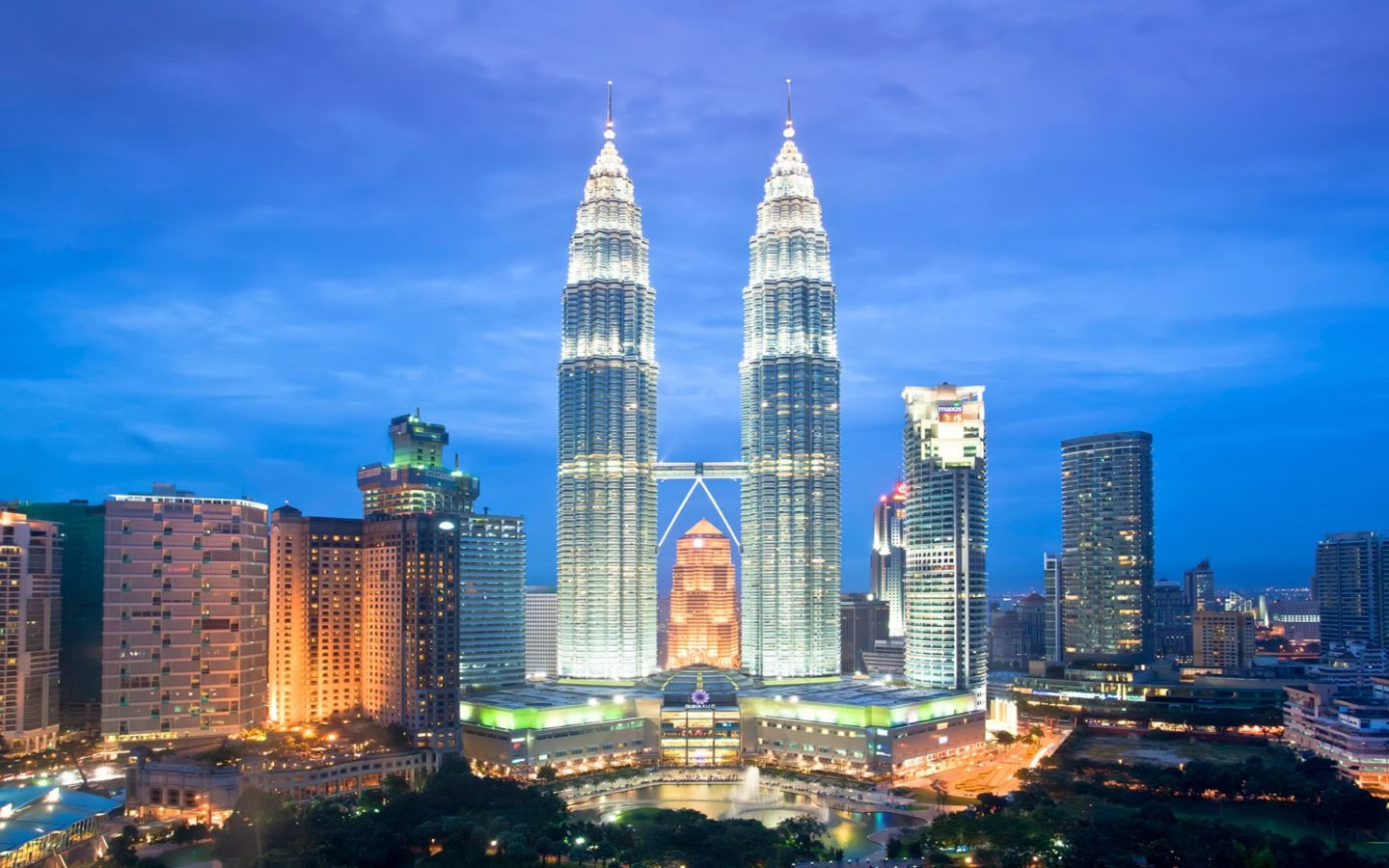 Old Wallpaper Iphone X Petronas Tower Malaysia Best Hd Wallpaper Picture