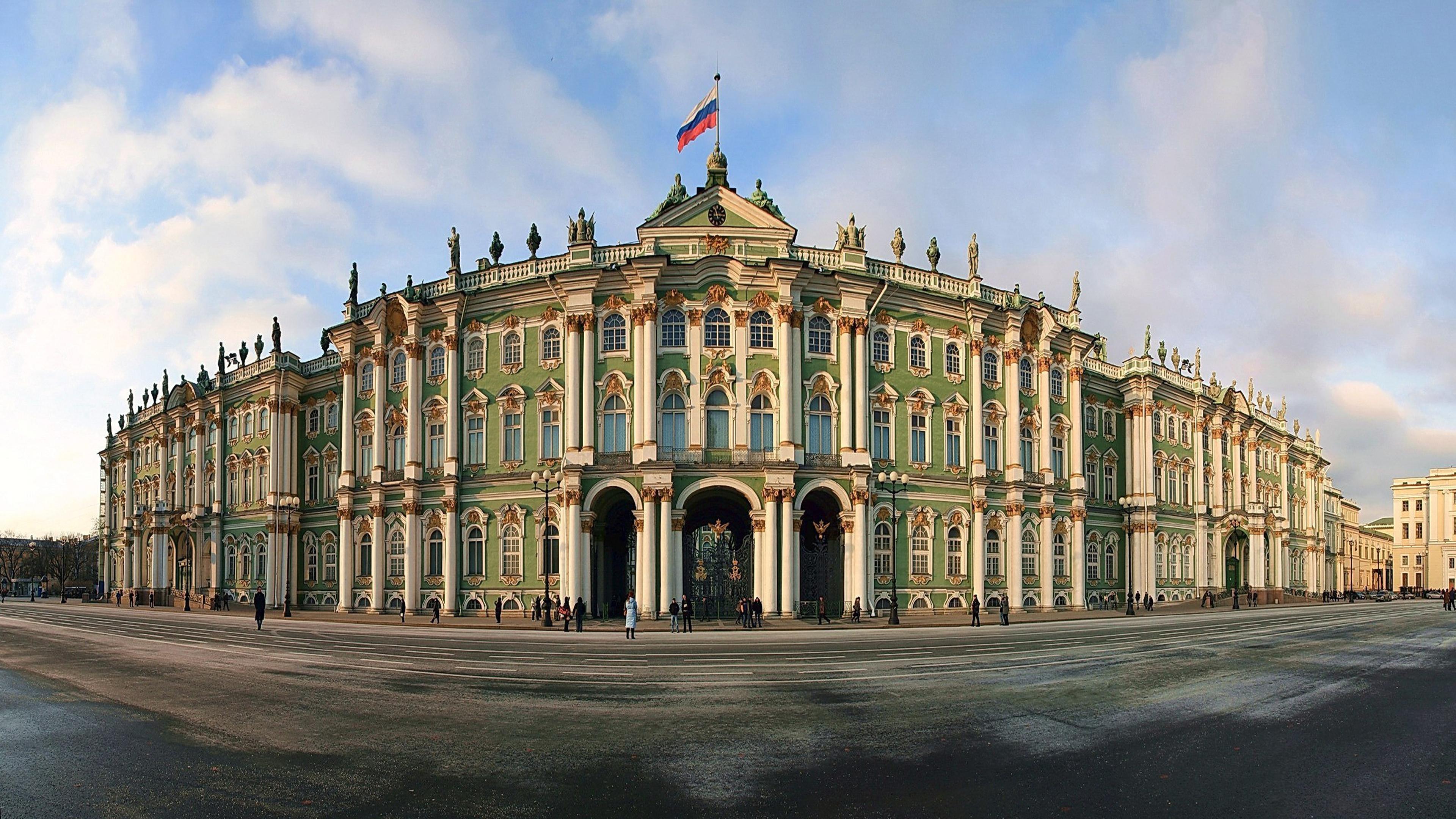 High Resolution Desktop Wallpapers Cars Russia St Petersburg Winter Palace 0795 Wallpapers13 Com