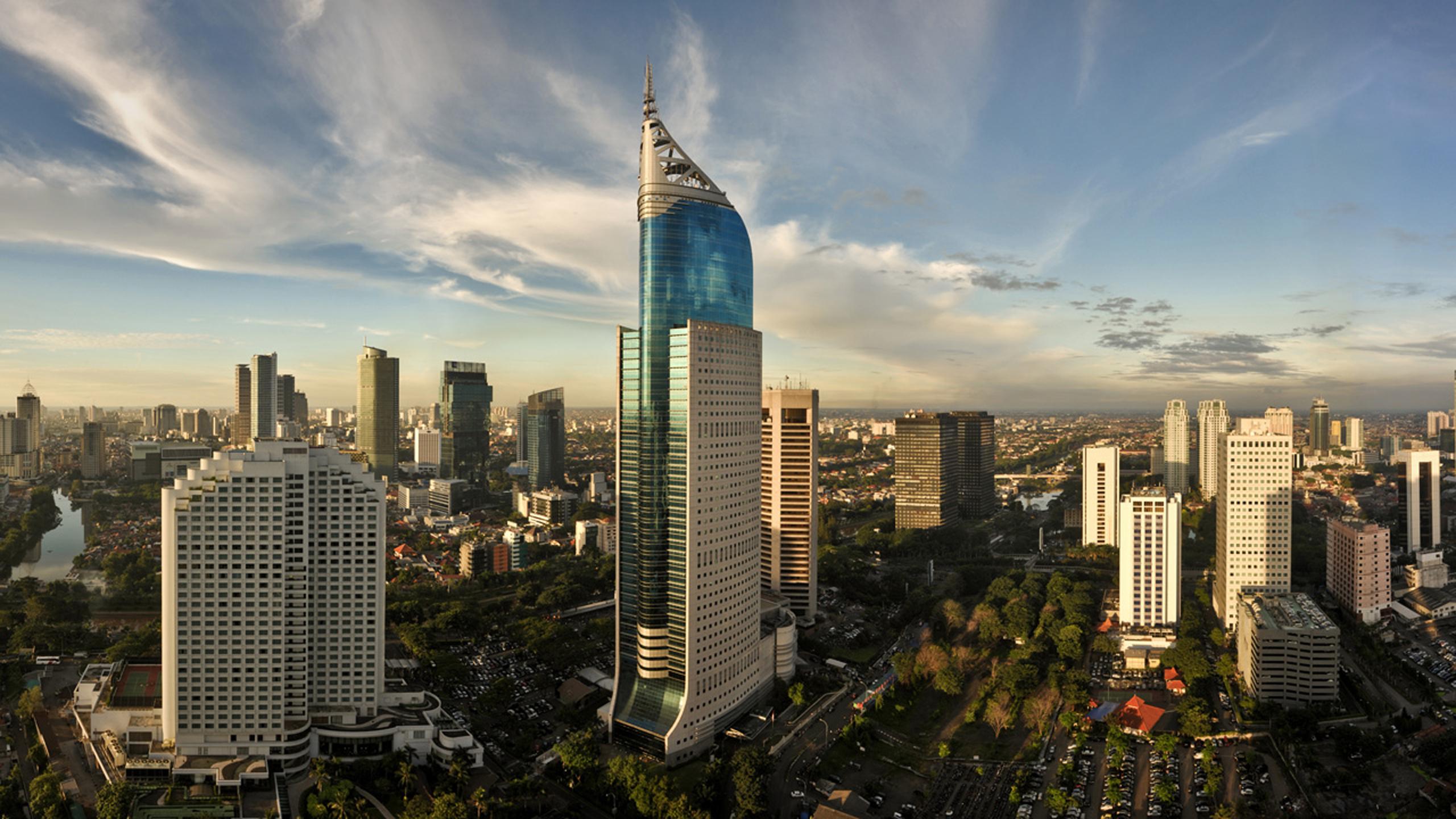 Night King Hd Wallpaper Jakarta Indonesia Skyline Wallpaper Hd Wallpapers13 Com