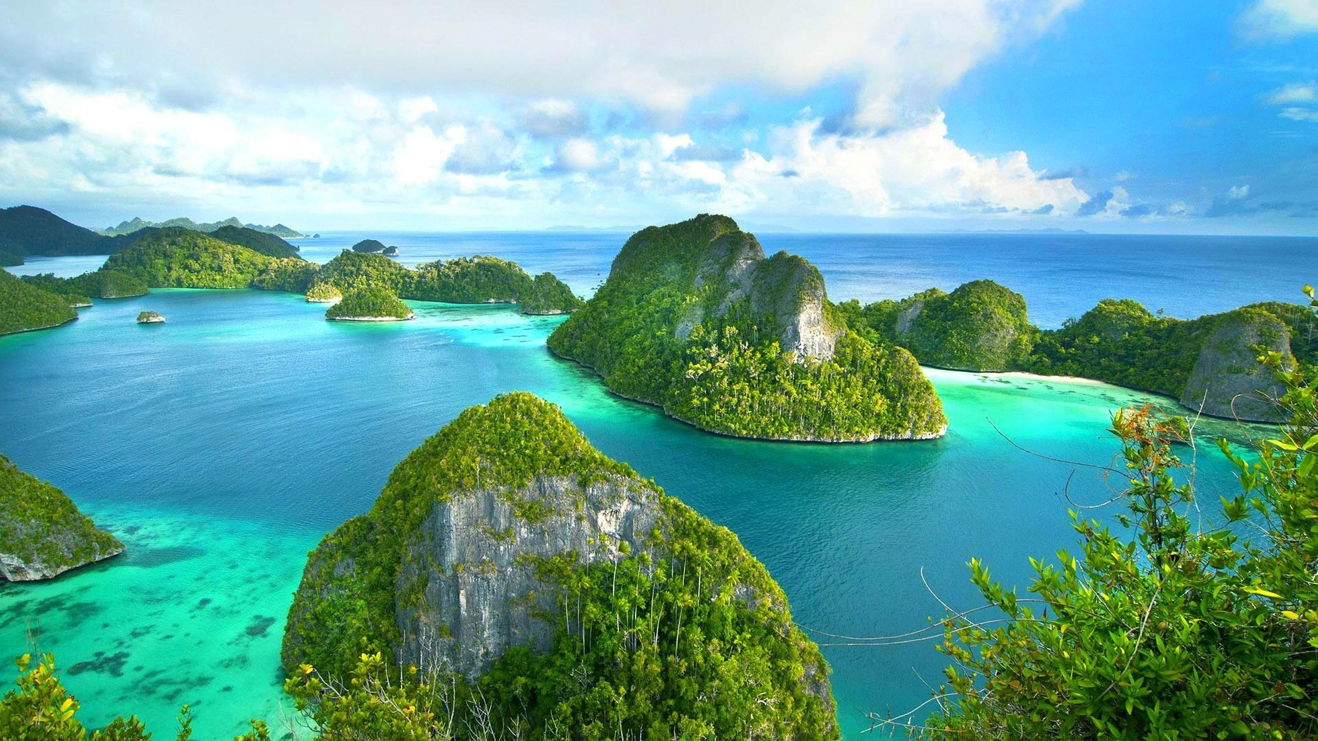 World Beautiful Cars Wallpapers Island Sea Ocean Wallpaper Background Raja Ampat West
