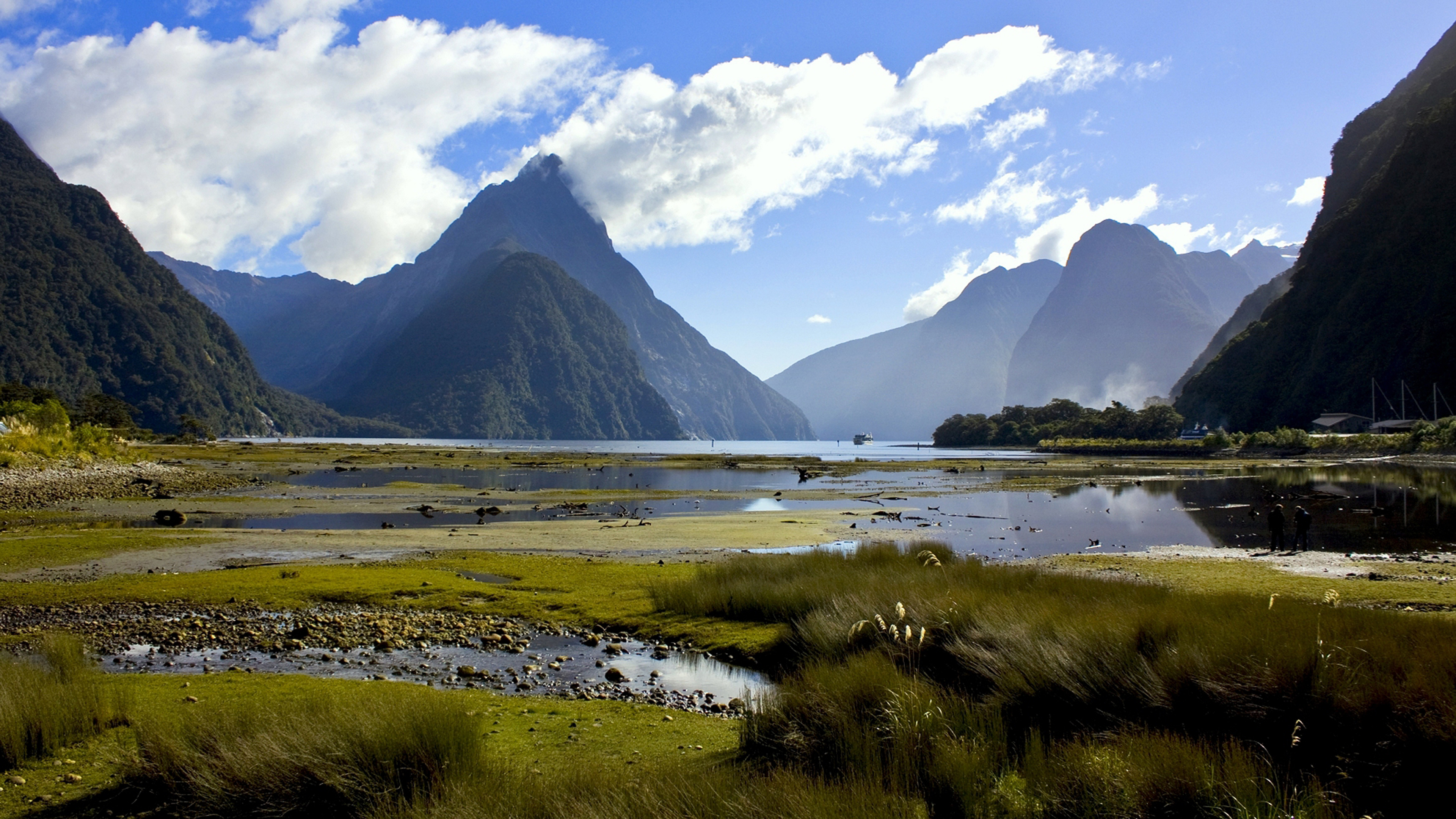 Fall Winter Iphone Wallpaper Milford Sound Or Piopiotahi In Maori Is Fjord Southwest Of
