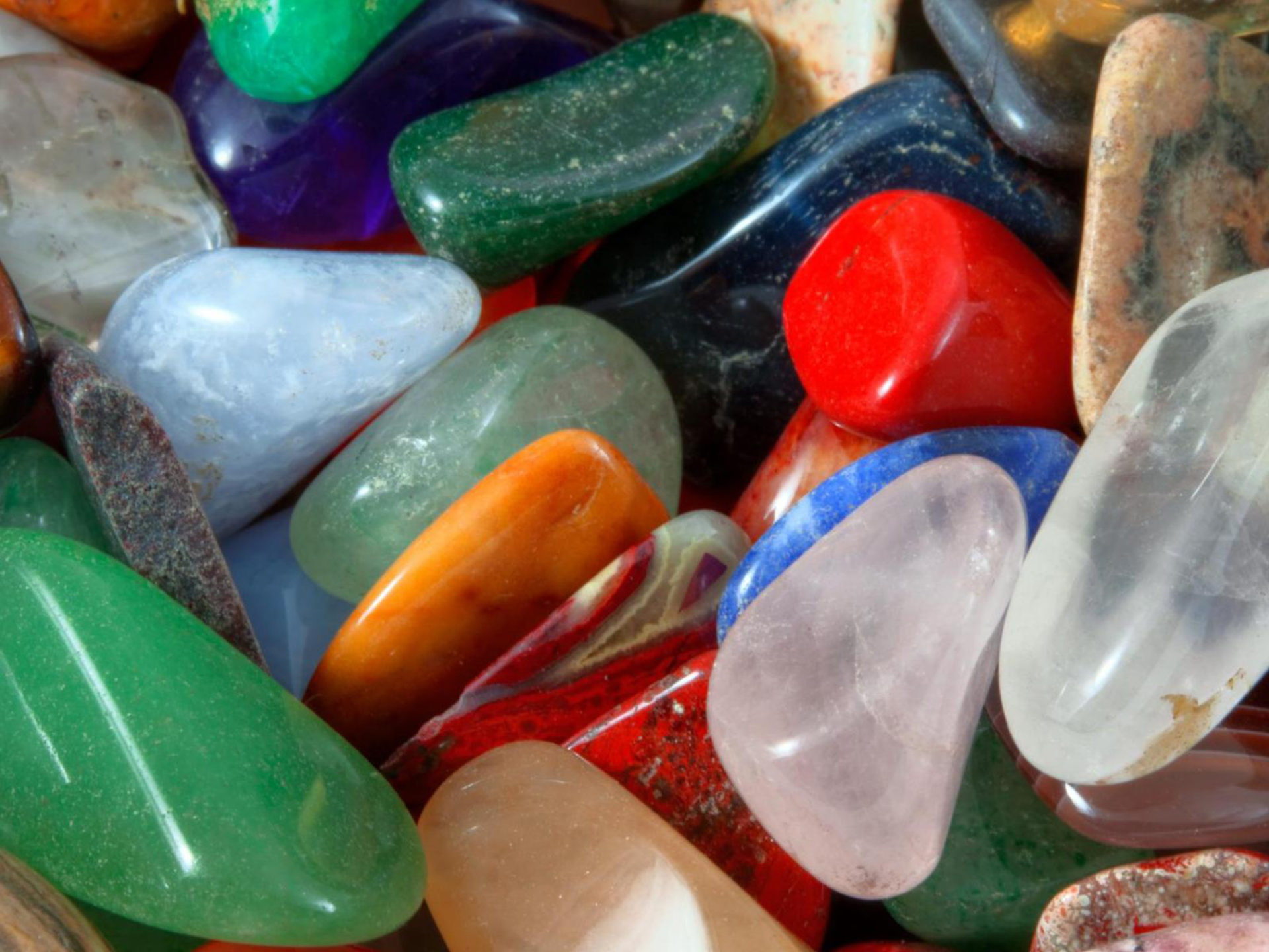 Wallpaper Desktop 1366x768 Car Beautiful Stones In Different Colors Colorful Hd Wallpaper