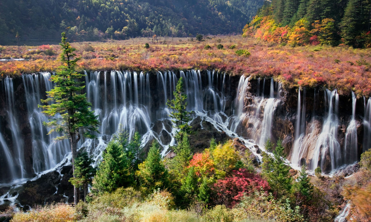 Niagara Falls Wallpaper Iphone Jiuzhaigou Tibetan China Nuorilang Waterfall Is A Nature