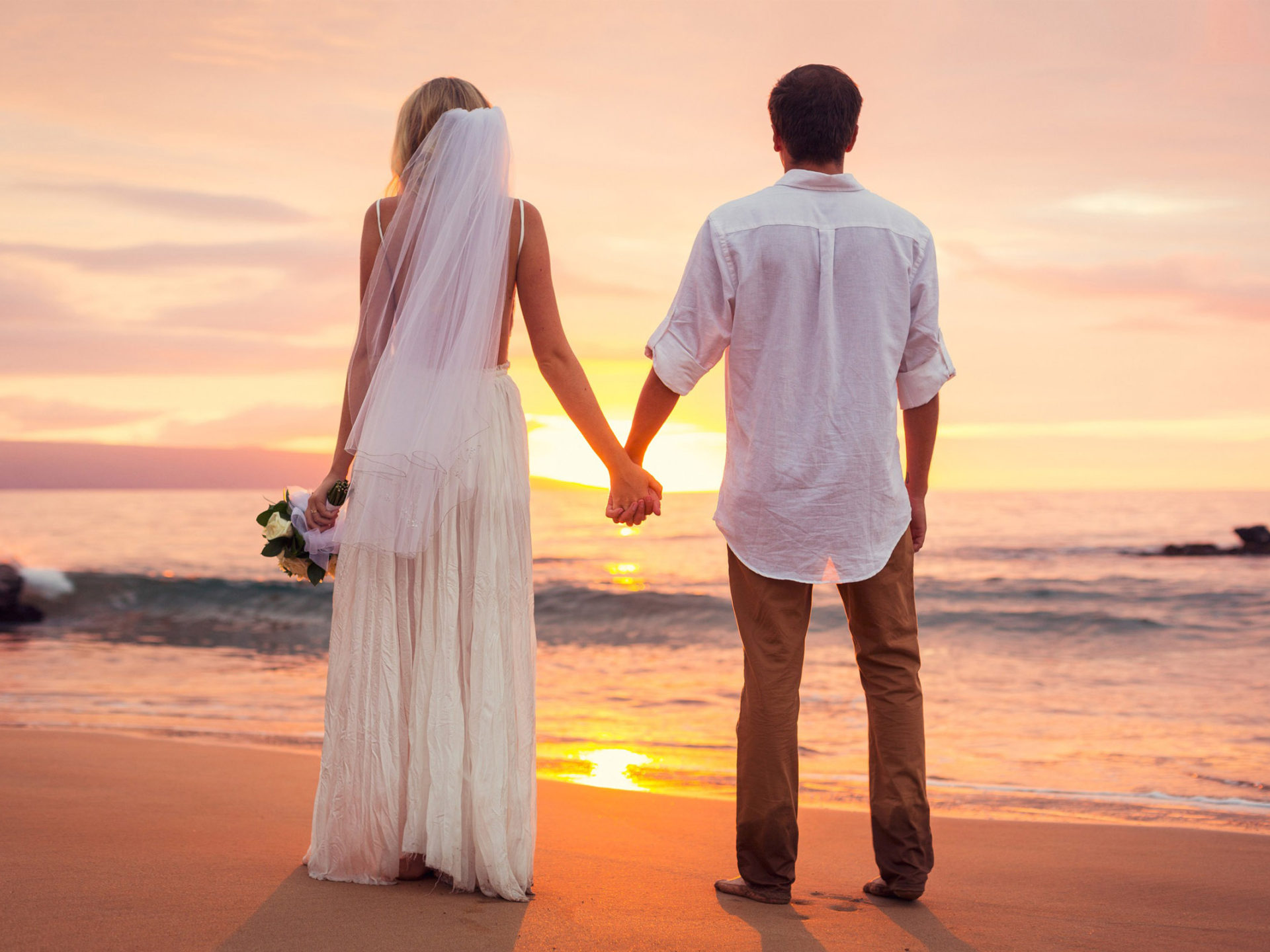 Boy And Girl Hug Wallpaper Download Love Couple Had Just Married Sea Beach Sunset Hd Love