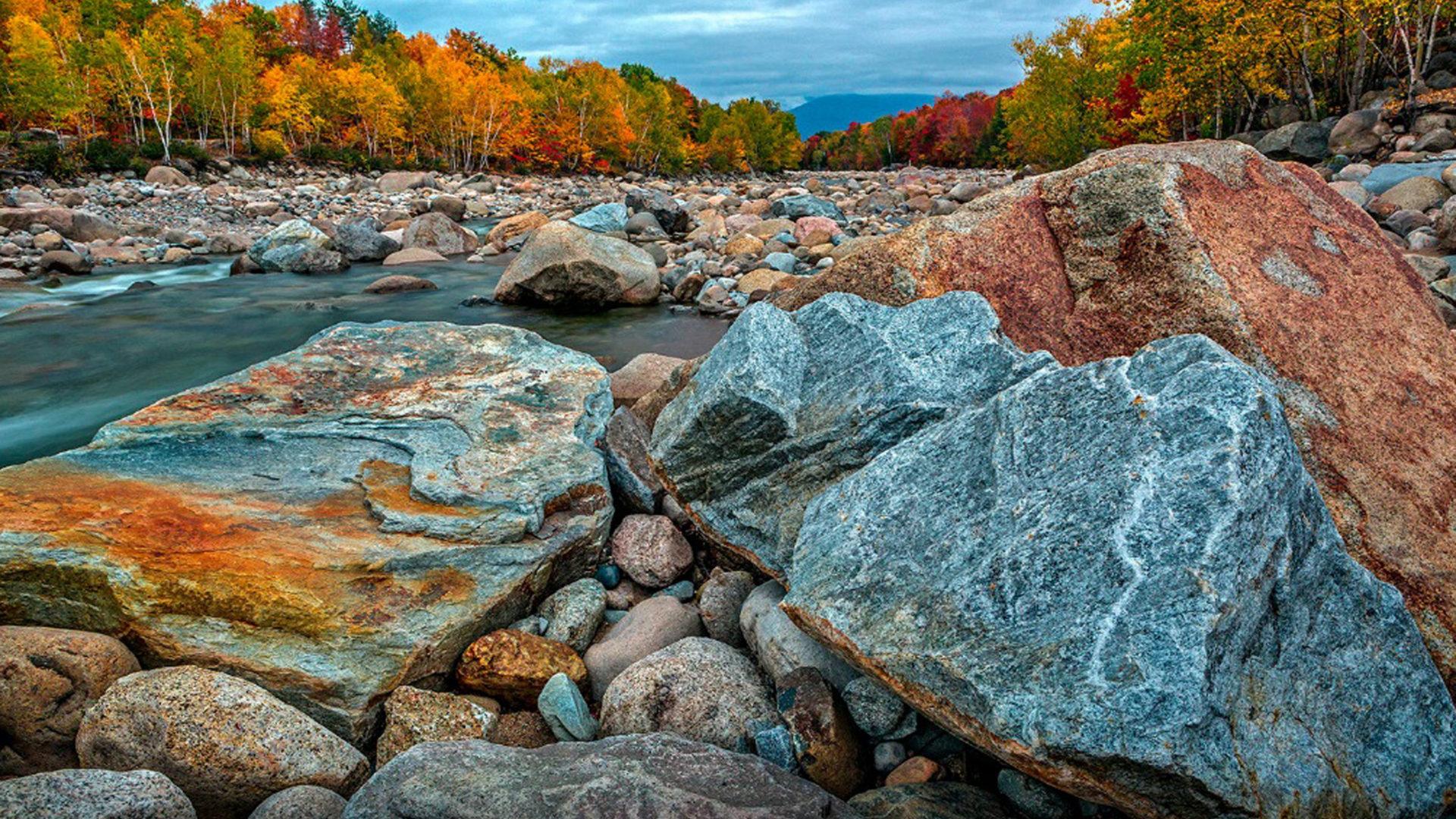 Free Fall Screen Wallpaper Autumn In The New Hampshire River Pemigewuasset Desktop