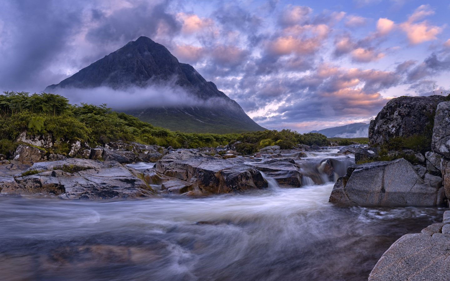 Free Fall Forest Wallpaper Buachaille Etive Mor Glencoe Scotland View From The River