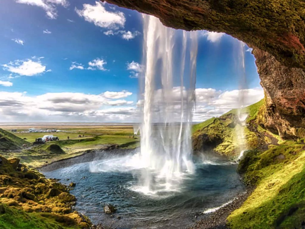 Free Fall Flowers Wallpaper Seljalandsfoss Waterfall Is Located In The Southern Region