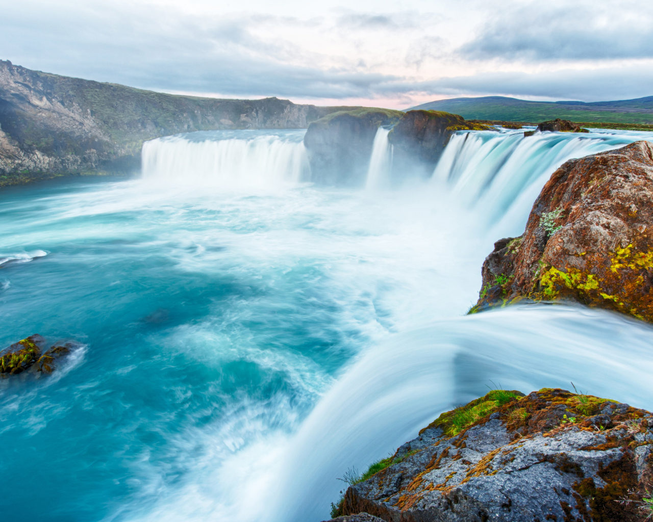 Blue Nile Falls Wallpaper The Go 240 Afoss Iceland Waterfall Of The Gods Or Waterfall