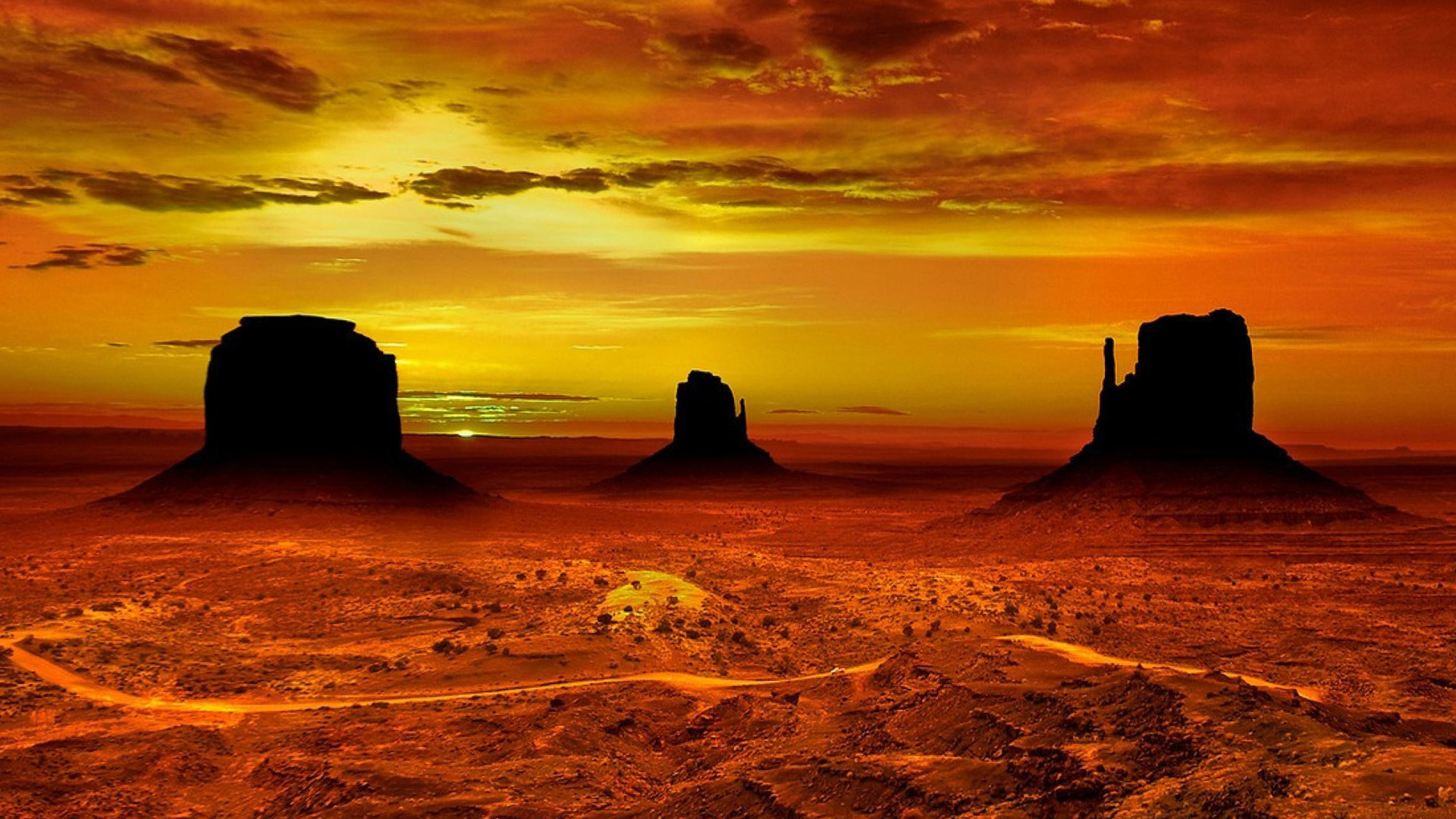 Smoky Mountains Iphone Wallpaper Monument Valley Navajo Tribal Park Red Sunset In Desert