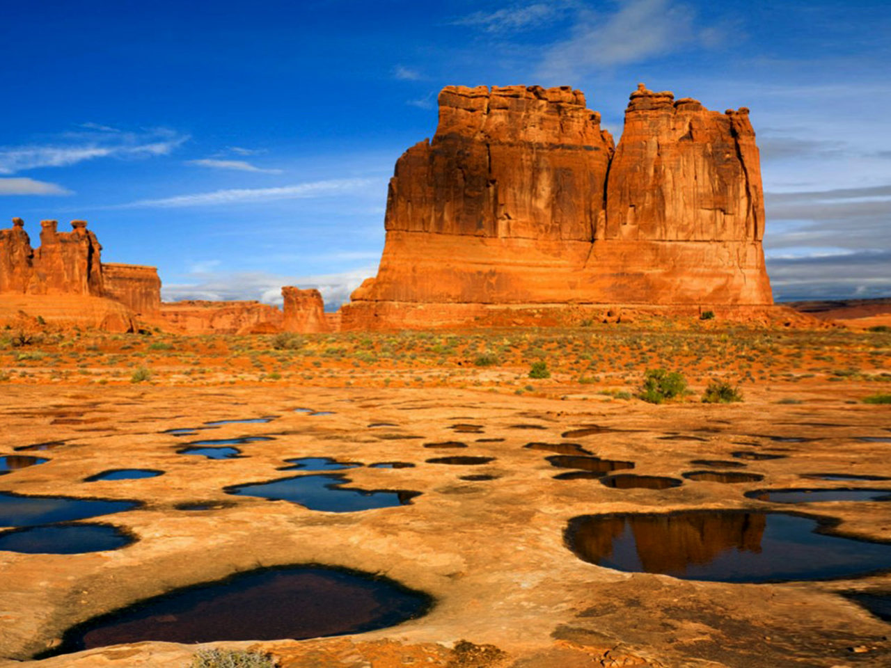 Free Fall Wallpaper For Ipad 2 Landscape Desolate Landscapes Canyon Beautiful Arches