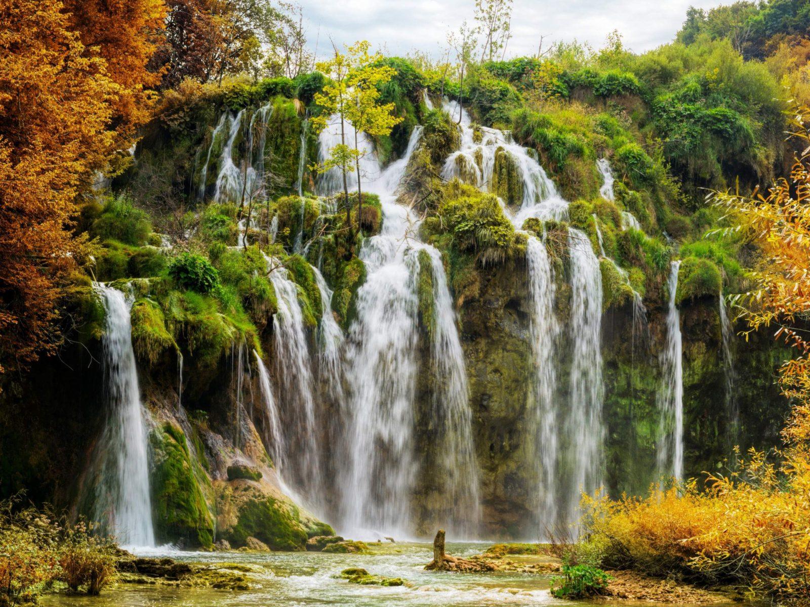Niagara Falls Hd Wallpaper For Desktop Plitvice National Park Croatia Autumn Scenery Hd Wallpaper