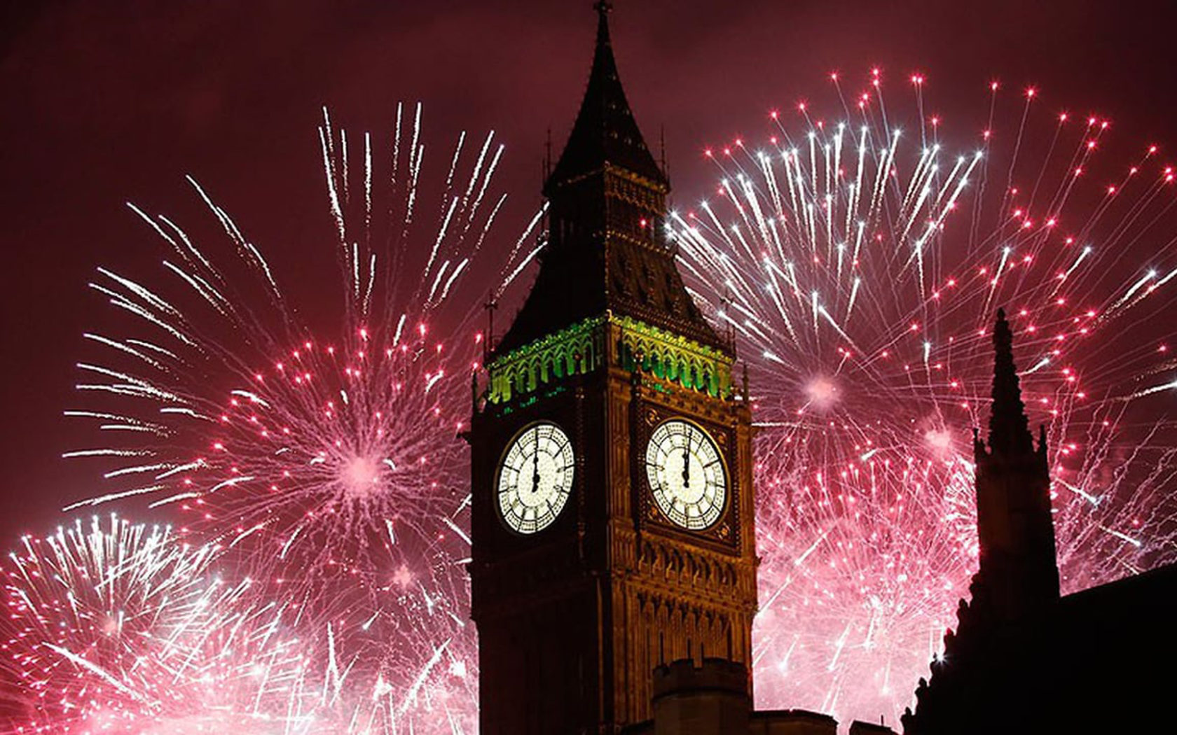 Iphone Wallpaper God Quotes New Years Eve Fireworks In London Big Ben Clock In London