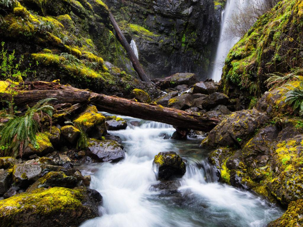 Free Desktop Wallpaper Niagara Falls Mountain River Waterfall Black Cliffs Green Moss Fallen