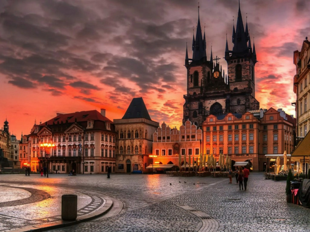 1024x768 Hd Wallpapers Free Download Old Town Square Prague Czech Republic Between Wenceslas