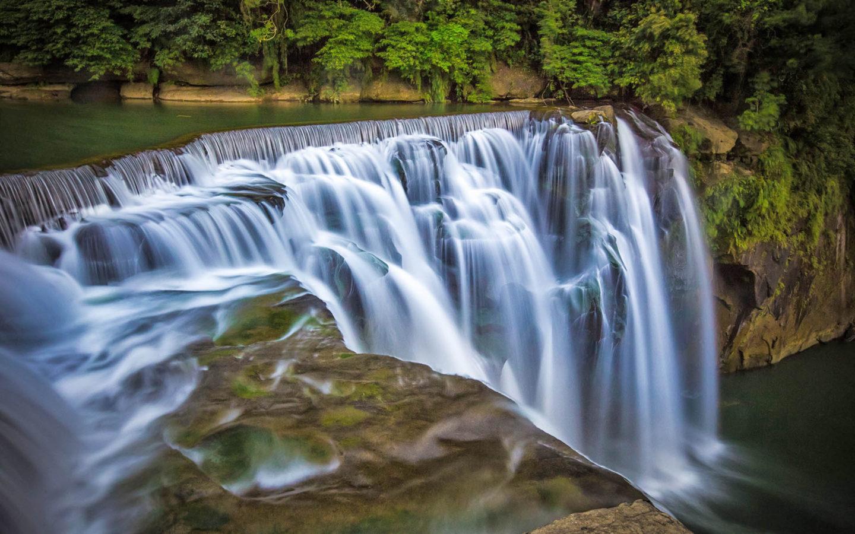 Iguazu Falls Iphone Wallpaper Shifen Waterfall In County Pengxi Taiwan Desktop Wallpaper