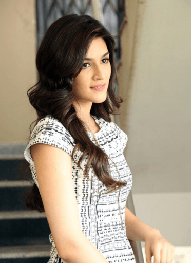 Latest Love Wallpaper With Quotes Download Kriti Sanon Full Hd Wallpaper Gallery
