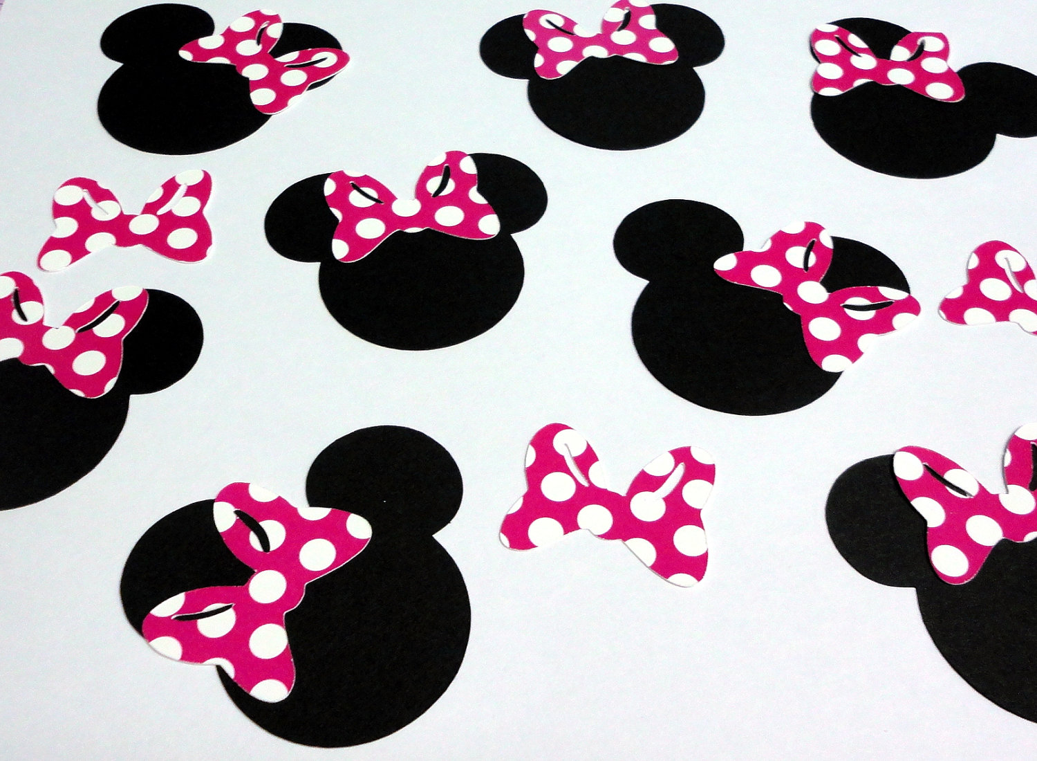 Lebron James Iphone Wallpaper Download Minnie Mouse Head Wallpaper Gallery