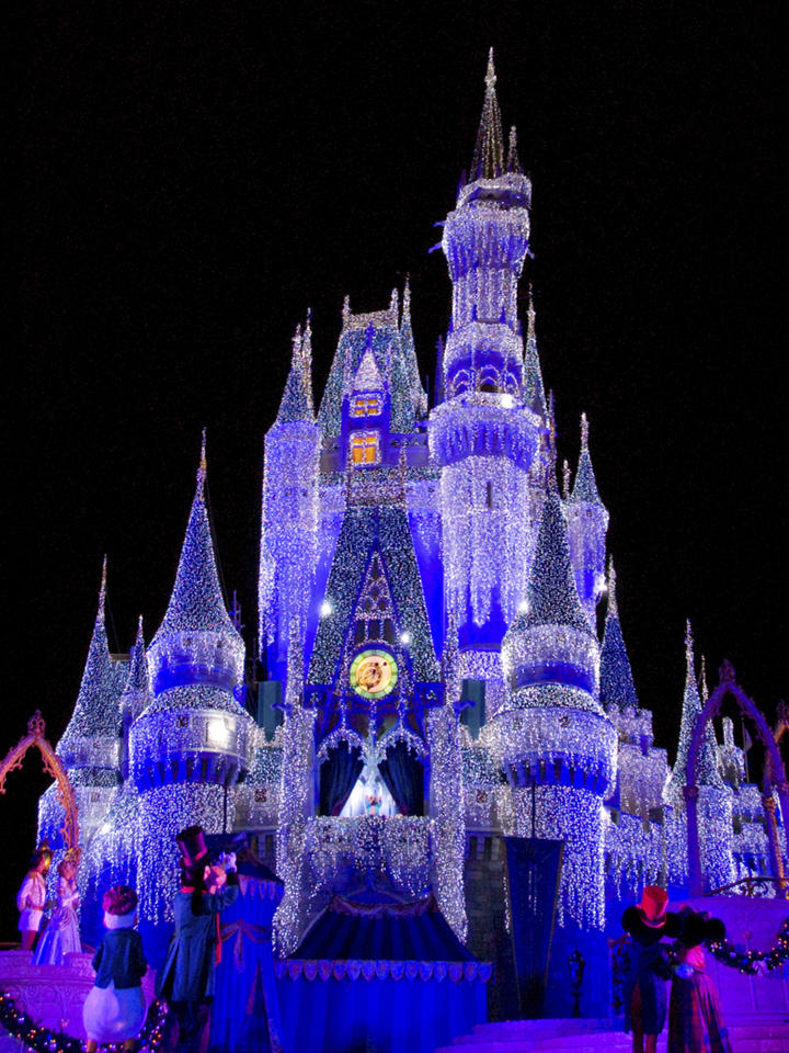 3d White Horse Wallpaper Download Walt Disney World Christmas Wallpaper Gallery