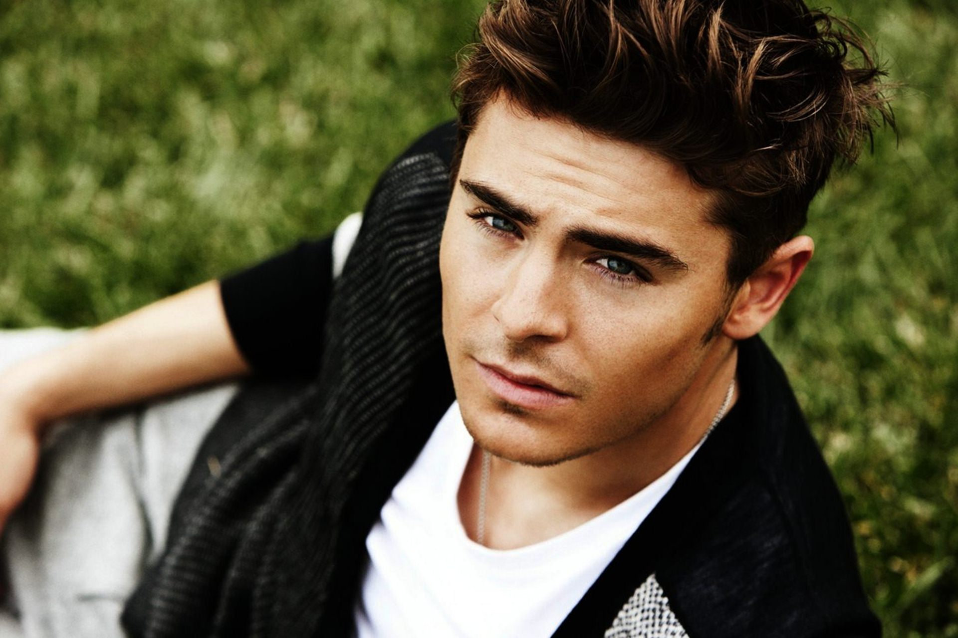 Wallpaper Jesus Christ 3d Download Zac Efron Wallpaper Gallery