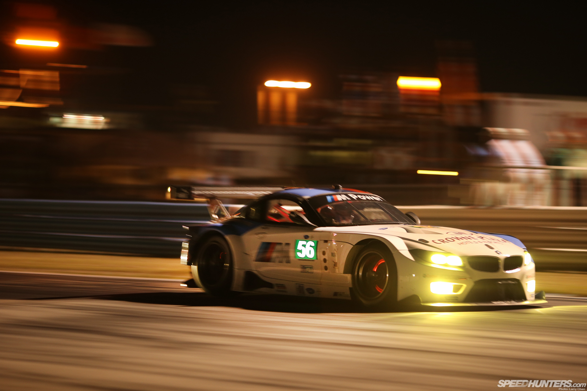 Street Racing Cars Wallpaper With Girls Bmw Z4 Race Car Glowing Brakes Motion Blur Night Racing