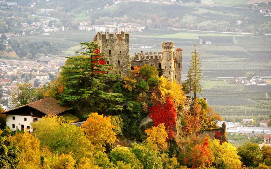 Fall Wallpaper Castle Italy City Fall Brunnenburg Autumn Wallpaper