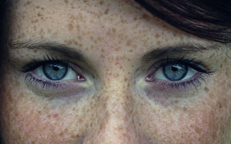 Freckles Girl Hd Wallpaper Women Close Up Eyes Blue Eyes Actress Celebrity Freckles