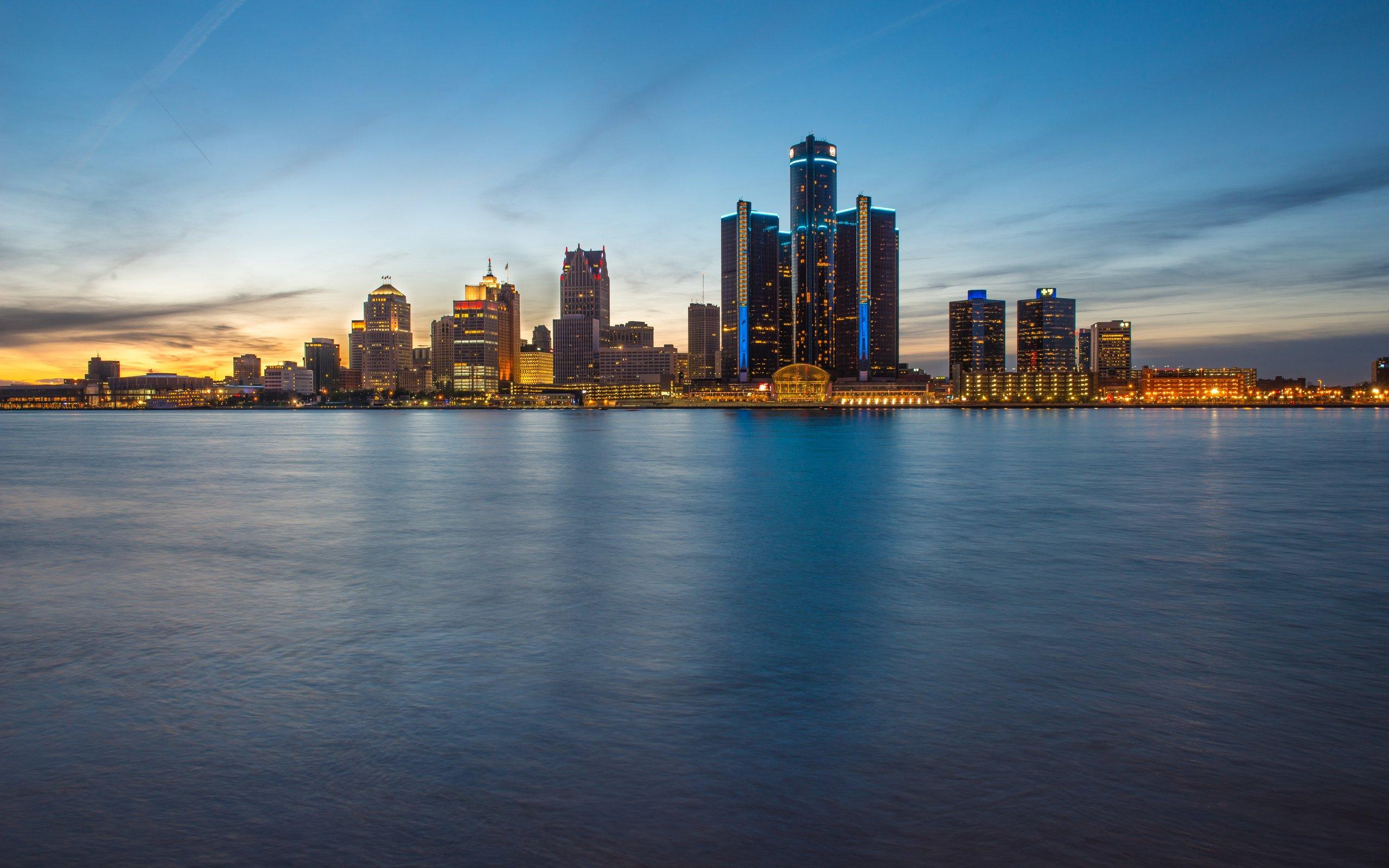 Best Free Wallpaper App For Iphone X Skyline Blue Hour Evening Detroit Wallpaper 2560x1600