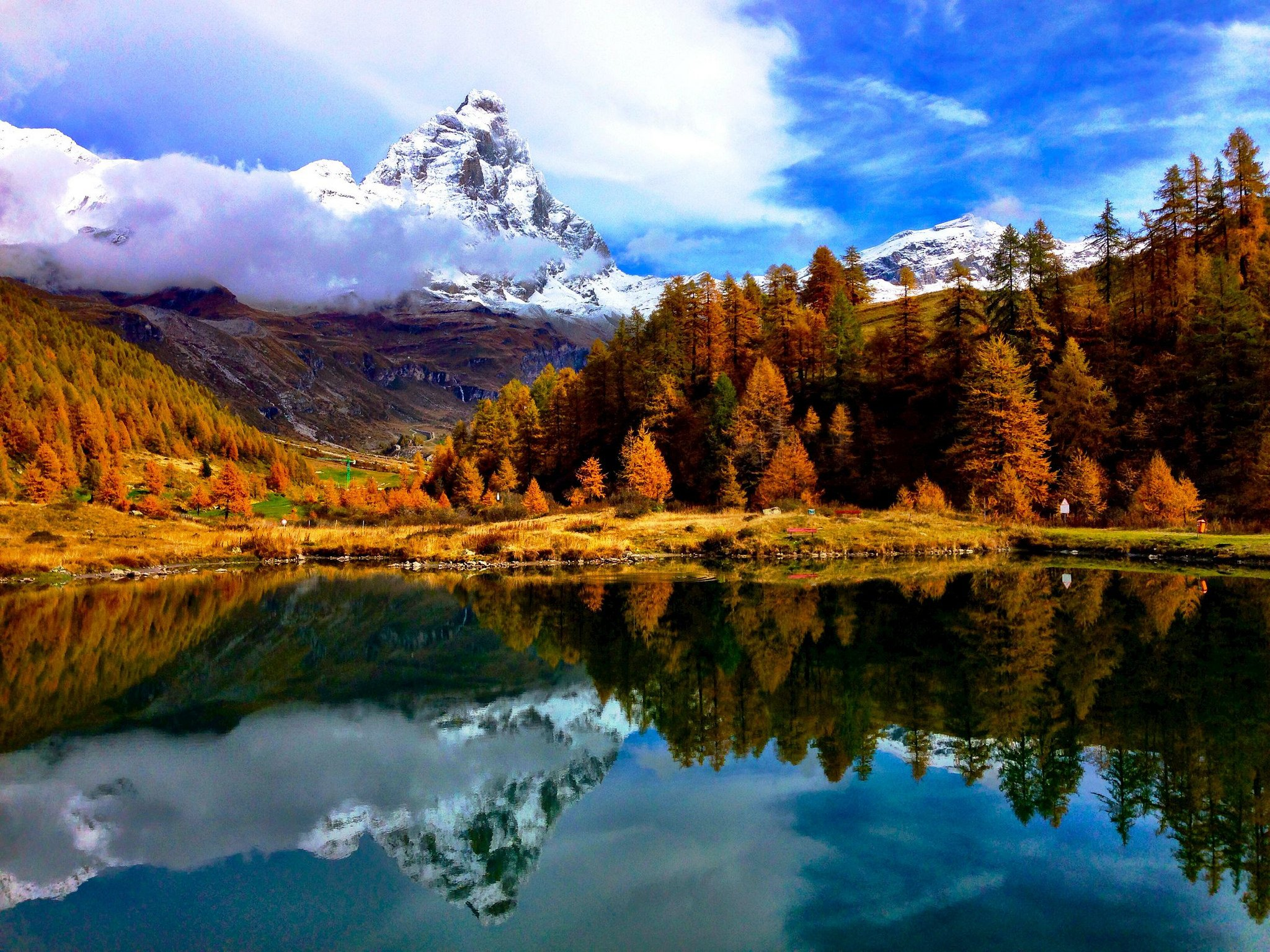 Serene Wallpapers Large Fall Lake Landscape Mountain Sky Commune Cervino Valley Aosta A