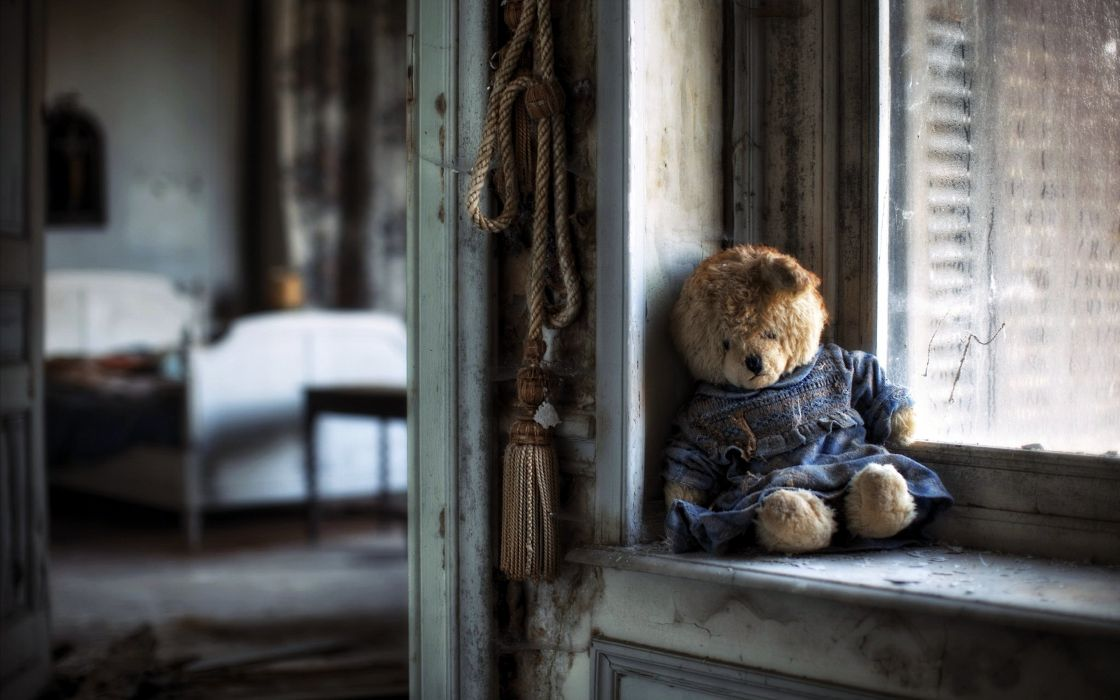 Sad Alone Girl Quotes Wallpapers Hd Teddy Bear Sad Lonely Windows House Poor Life Alone
