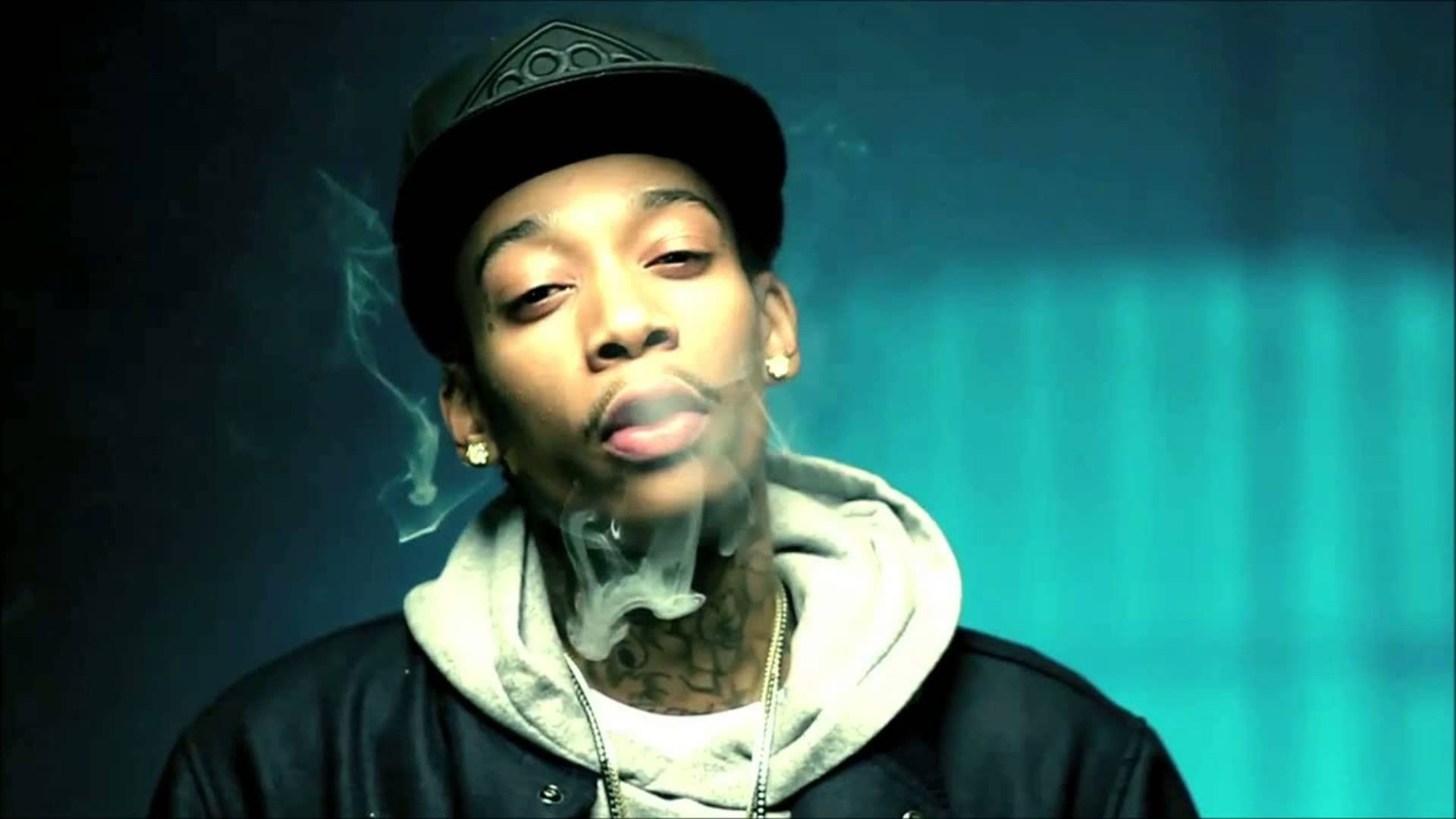 Gangsta Girl Iphone Wallpaper Wiz Khalifa Rap Rapper Hip Hop Gangsta 1wizk Weed Drugs