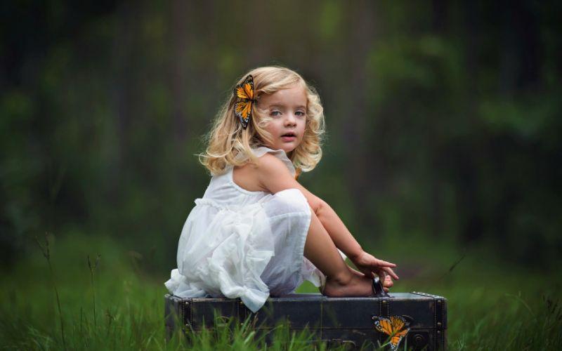Hd Wallpaper Cute Girl Download Blonde Butterfly Child Cute Depth Of Field Girl Little
