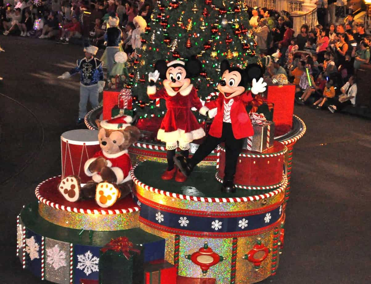 Top 5 Must-Dos for the Holidays at Walt Disney World - WaltExpress.com
