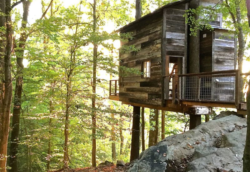 The 24 best airbnb cabins in north georgia for Large cabin rentals north georgia
