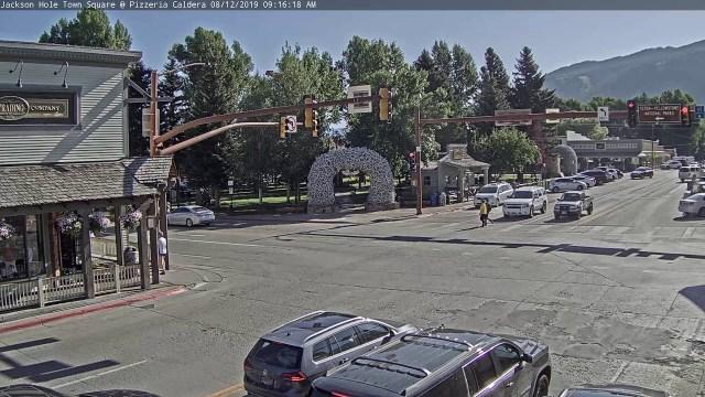 Jackson Hole Wyoming USA Town Square Live Cam – SeeJH.com