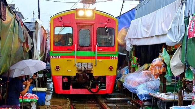 🔴 Live Train 24/7 Train Driver's View Cab Ride to MaeKlong Railway Market! Front Window View