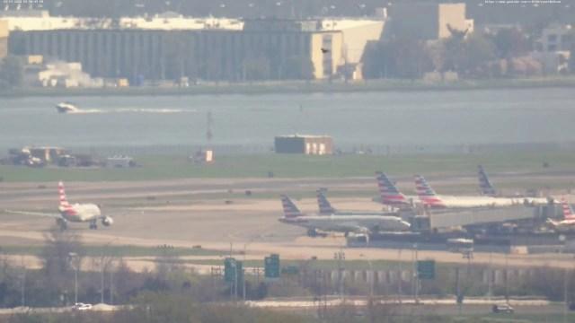 Live Webcam 3 – 4K – Reagan National Airport – Washington D.C. – Runway 19 – River Visual Approach