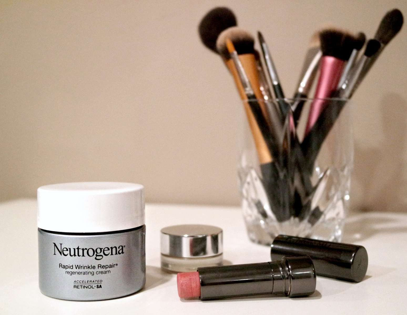 Review Neutrogena Rapid Wrinkle Repair Regenerating Cream