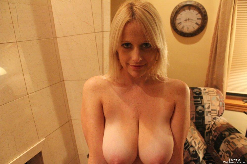 milf blonde hottie watchersweb