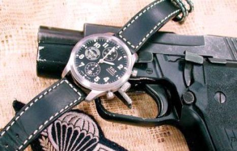 T.O.T.-Chronographe-G.I.G.N montre situation Sig Sauer GIGN