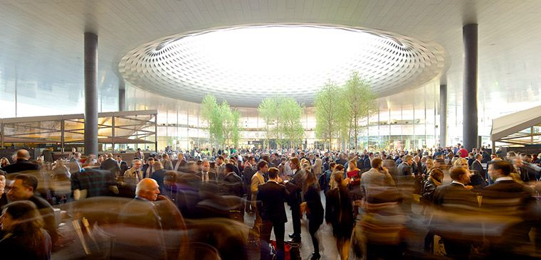 Baselworld exterieur foule Watch World Guide