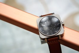 minus-8-square-chrono-leather-metal