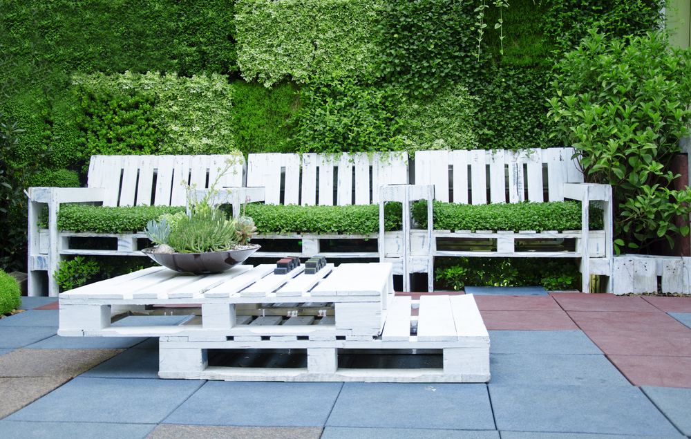 How To Make Your Own Furniture From Pallets - Ways2Gogreen Blog