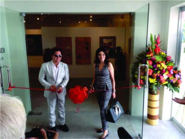 Neo-pop artist Romero Britto and PHILEXCEL Business park President Ms. Ariella -Nasser Moskovitz for symbolics ribbon cutting
