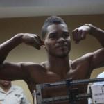 Argenis López (DOM) - Darleys Pérez (COL) weigh-in