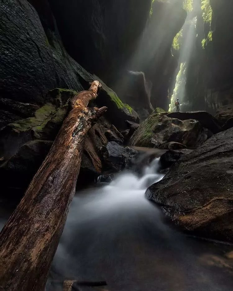 Microadventures with jakeandersonphotography 25 Finding isolation within Rocky Creek Canyonhellip