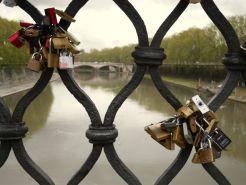 Rome Lovelocks