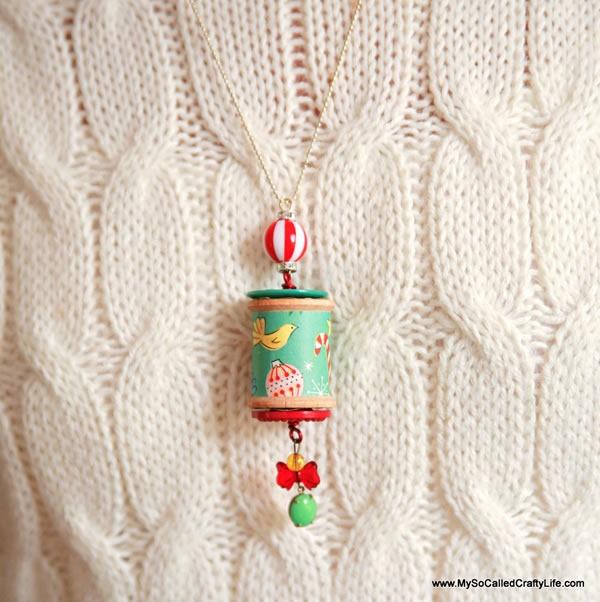25 increibles  adornos de navidad hechos a mano - collar hecho con carretes